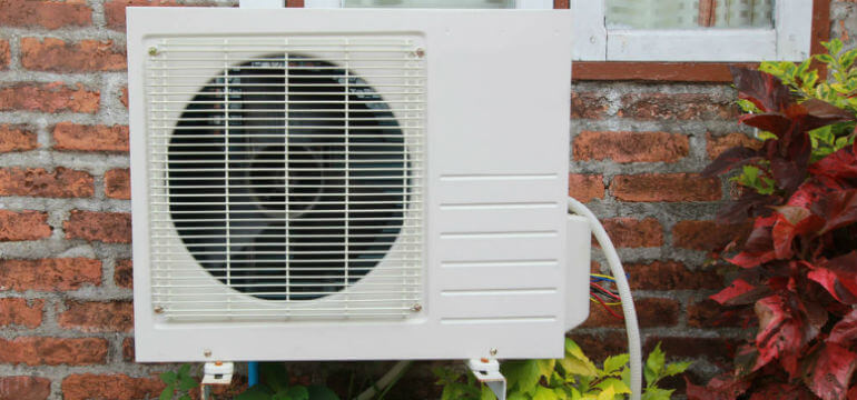 Heat Pumps in the UK: What's Going On? The use of heat pumps (both air source and ground source) for hot water and heat...