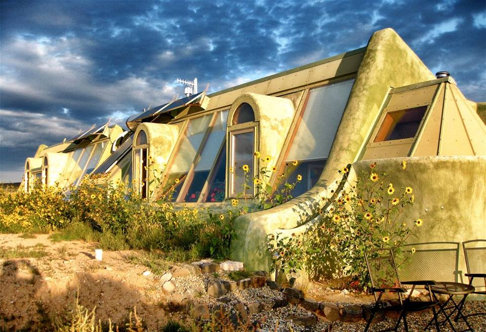 Radical Sustainable Living In Earthships Greenmatch